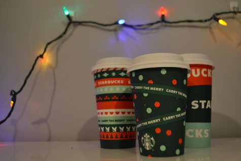 Starbucks holiday drinks are now available for a limited time in these holiday-themed cups.