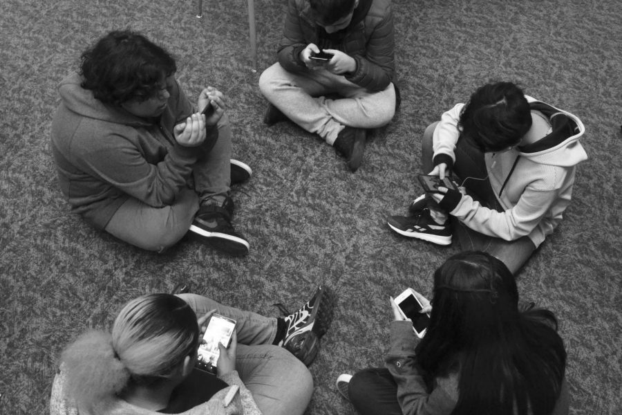 Phone addiction among teens real, on the rise