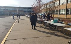 Students pick up their materials needed for Heights at Home Quarter 2 at the November 7 material pickup.