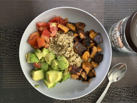 Four-ingredient Vegan Buddha Bowl is quick and easy to make.